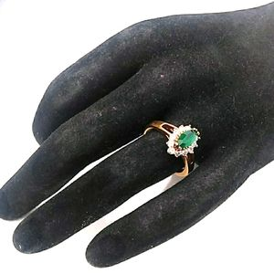 VINTAGE 18K GP Emerald & White Glass Stone Ring